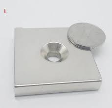 Nam châm đất hiếm cứu hộ 100x100x25mm có lỗ - Magnet have a hole to applied in rescue